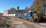 CSX 6487 leads A742 up the Beltline
