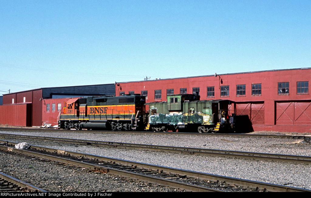 BNSF 2261
