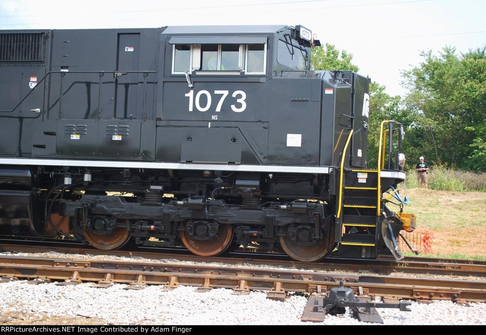 NS 1073