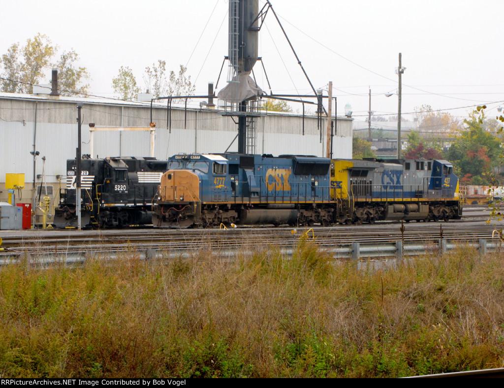 NS 5220; CSX 4777 and 427