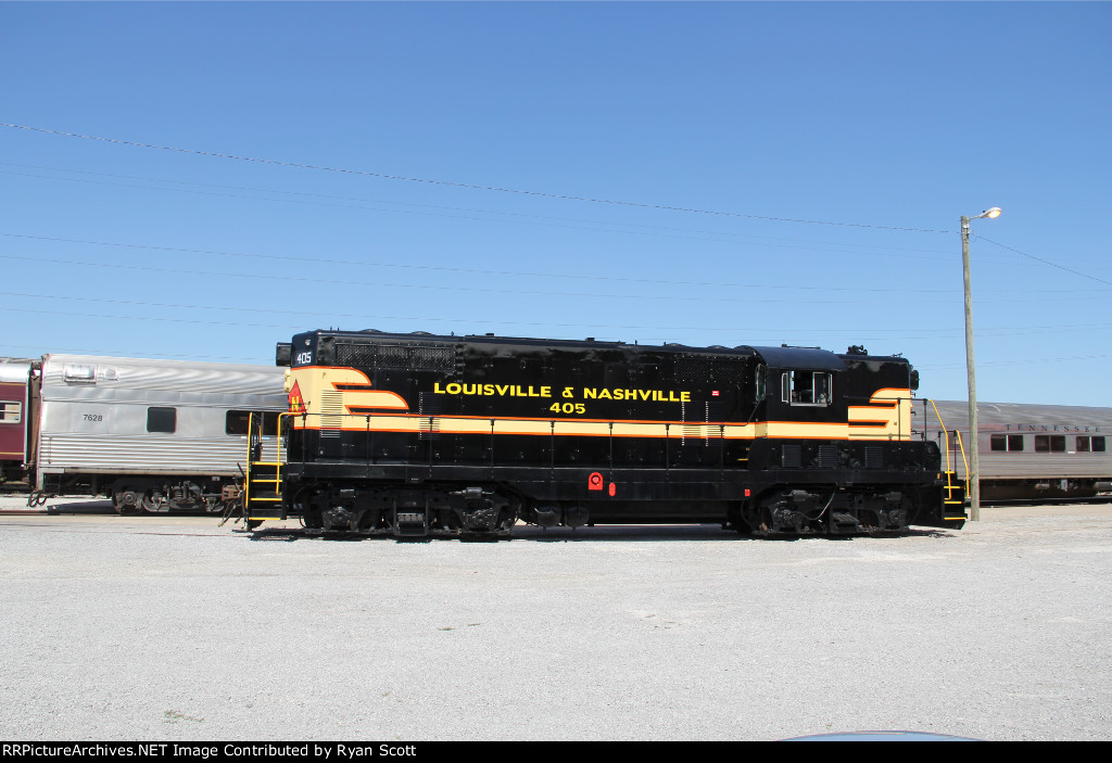LN 405 GP7 at Nashville, TN