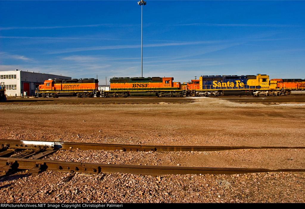 BNSF 1533, 1826, and 1923