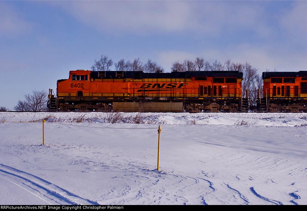 BNSF 6402 Leads E-MHSBKM1-15