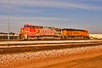 BNSF 520 and BNSF 5771