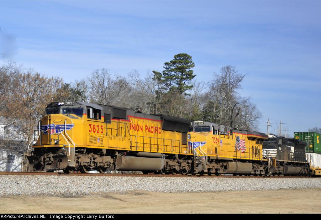 Union Pacific 3825