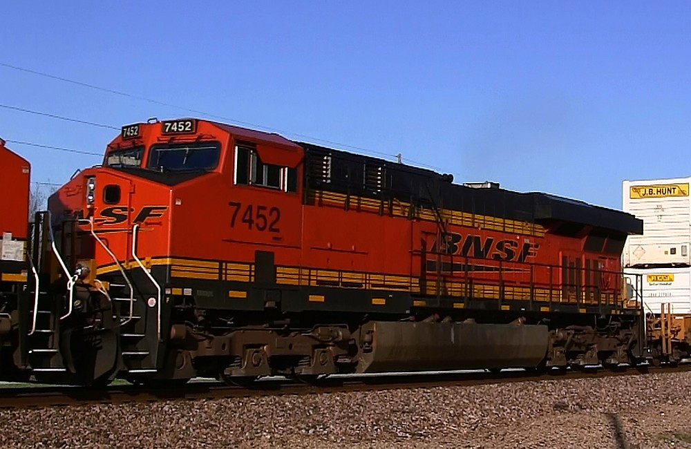 BNSF 7452