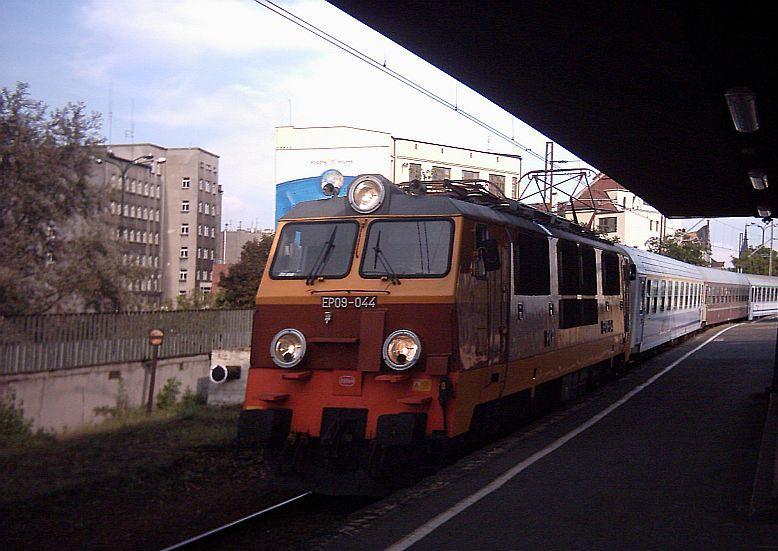Poland electric locomotive EP09