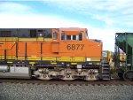 BNSF ES44C4 6877