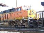 BNSF ES44C4 6775
