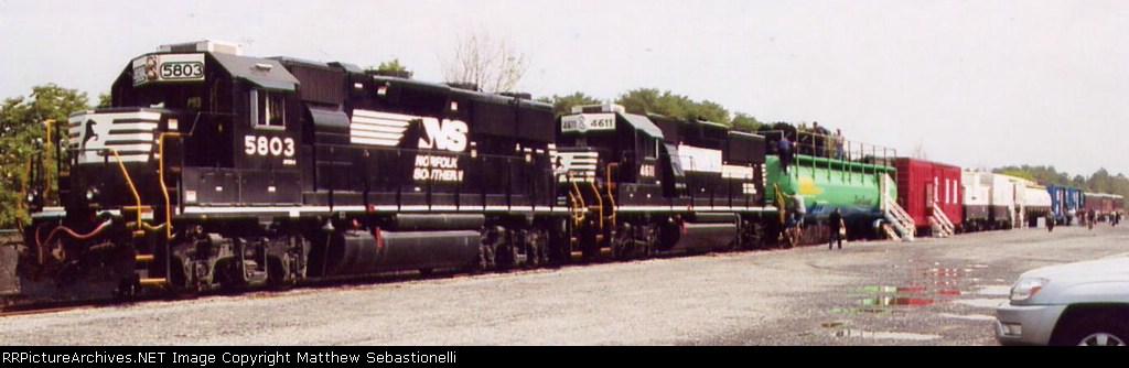 NS Whistle Stop Tour Train