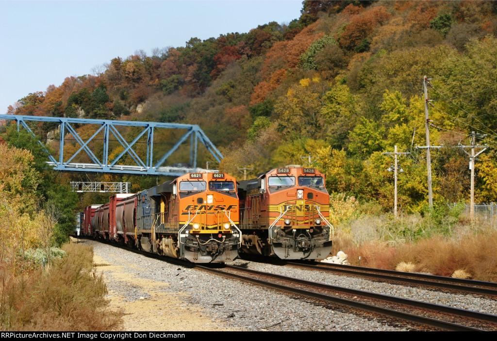 BNSF 6621 & 5428