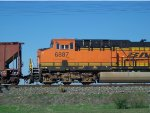 BNSF ES44C4 6887