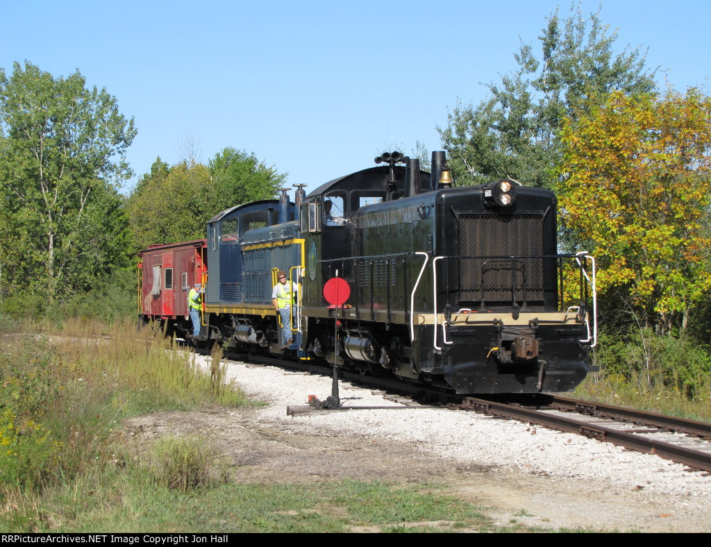 7014 comes off the spur with the first group of equipment, C&O 5208 & N&W 557798