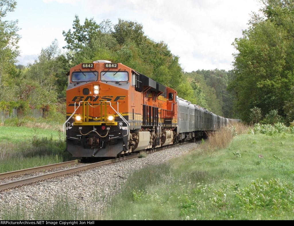 BNSF 6842 & 7468 lead the RBB&B circus train northward