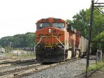 BNSF 6086 leads E945 toward a crew change at the tower