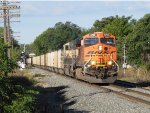 BNSF 5752 cuts east through Grandville leading N956
