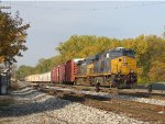 Rolling in on the Even Lead, CSX 3009 arrives at Wyoming Yard with Q326-28