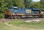 CSX 5263 leading Q619