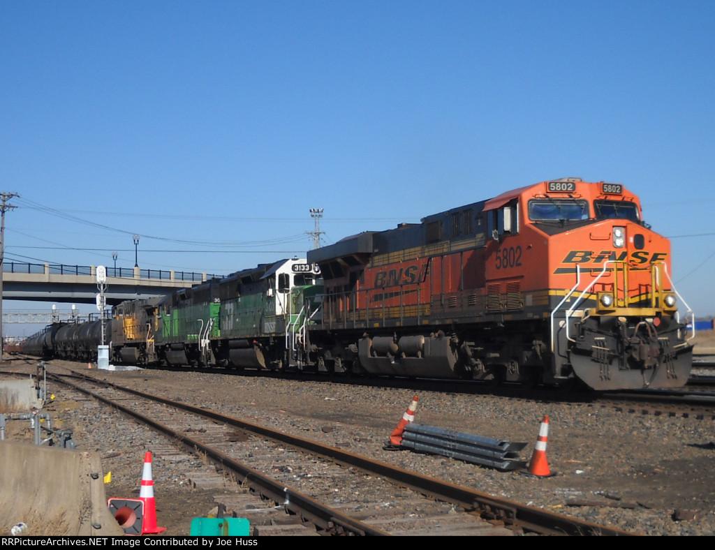 BNSF 5802 West