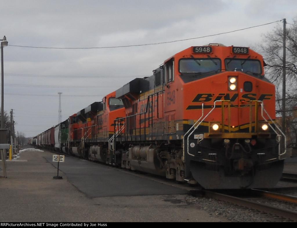 BNSF 5948 East