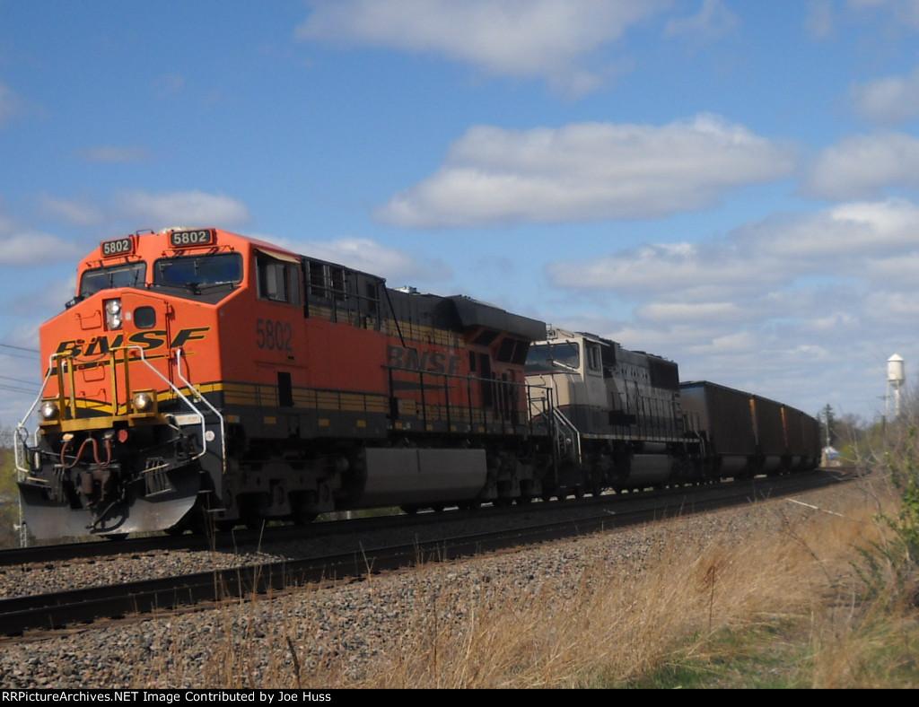 BNSF 5802 East