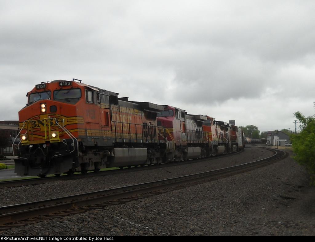 BNSF 4153 East