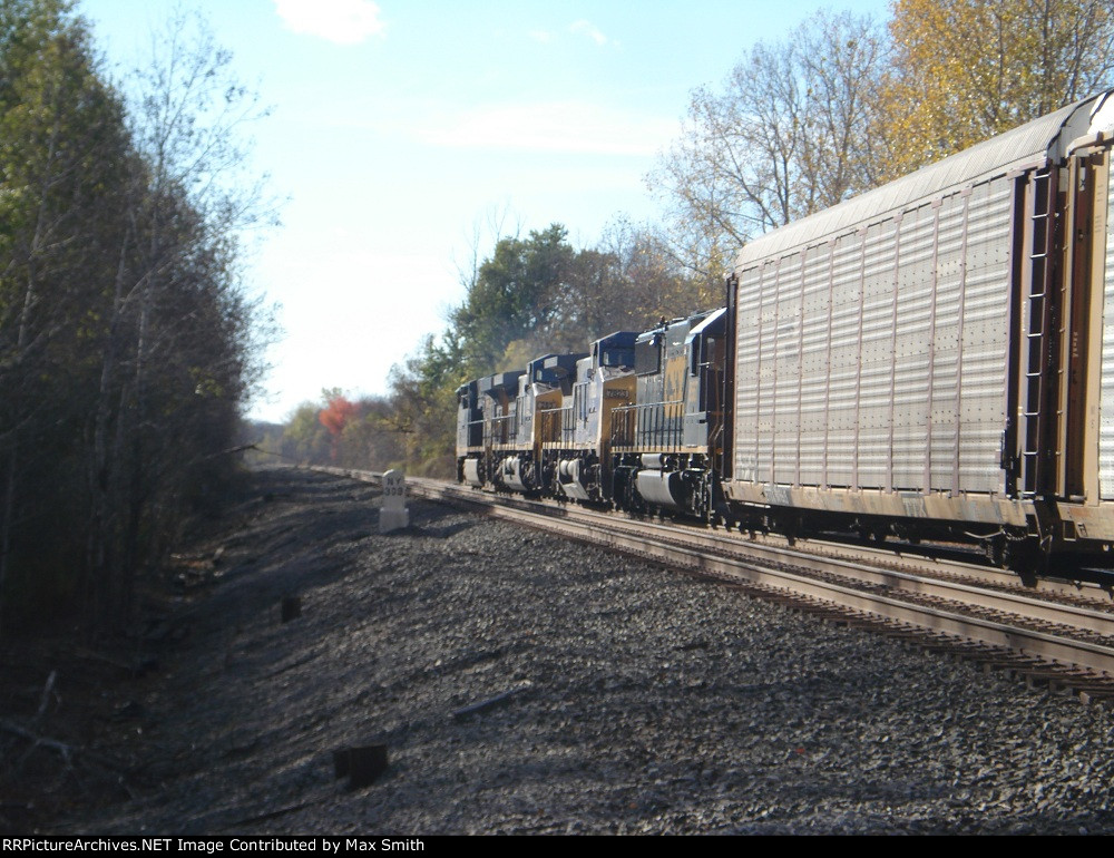 All 4 locomotives on CSX Q365