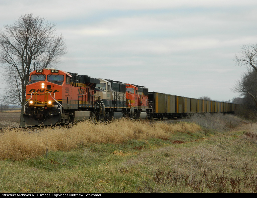 BNSF 5889 Northbound