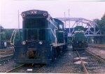 NYA SW1001 & GP-38 261 at Glendale