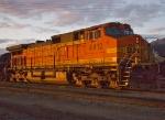 BNSF 4412 dusk light