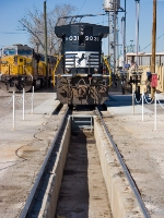 NS 9031 takes on sand and then a quick pit check.