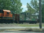 BNSF 3160 and BN 12121