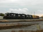 NS 5836 (GP38-3) NS 5525 (GP38-2) NS 5532 (GP38-2)