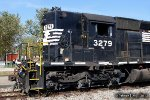 NS SD40-2 3279