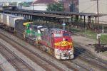 Warbonnet 678 leads CSX train 120