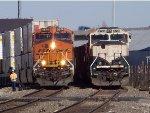 BNSF ES44C4 6676 & BNSF SD70MAC 9728