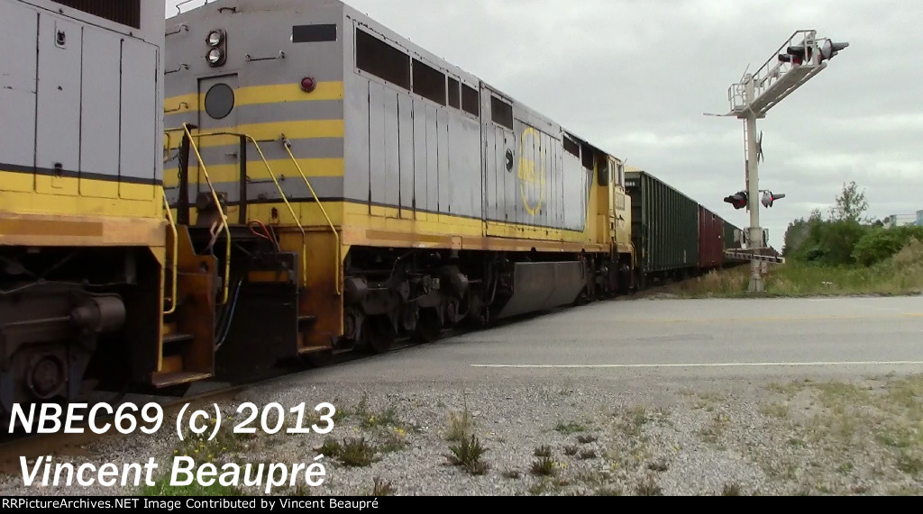 AEX 100018 on the CN 403 West