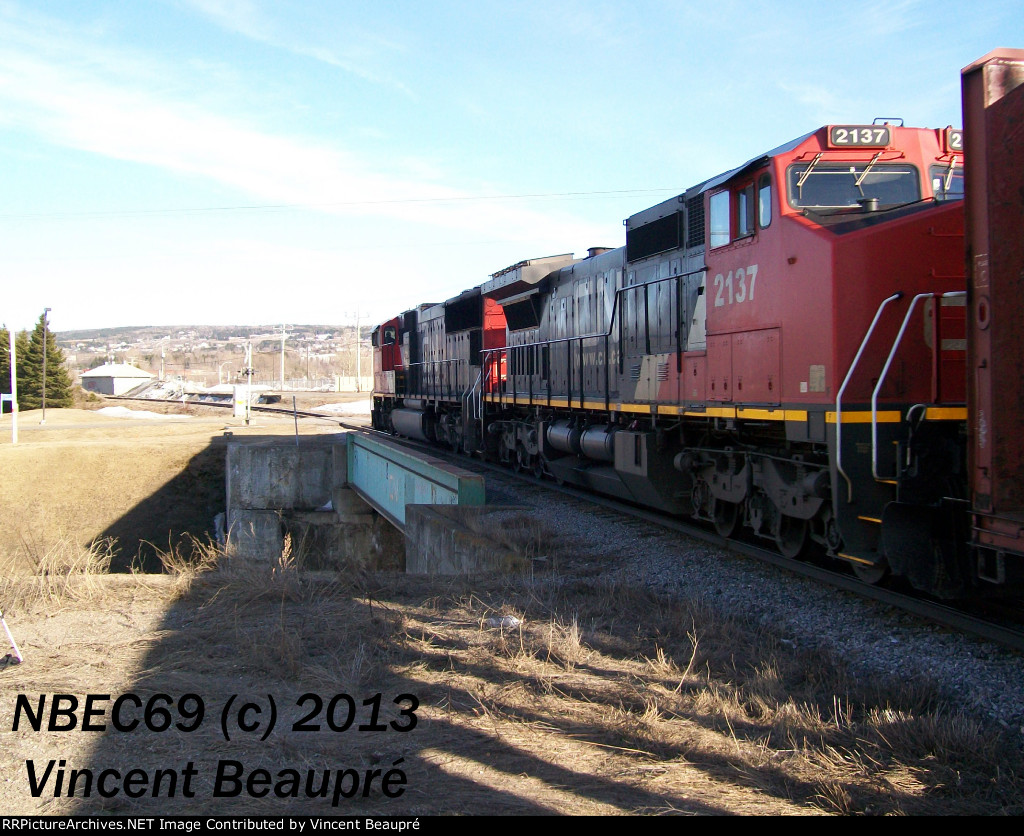CN 2137 on the 402 East