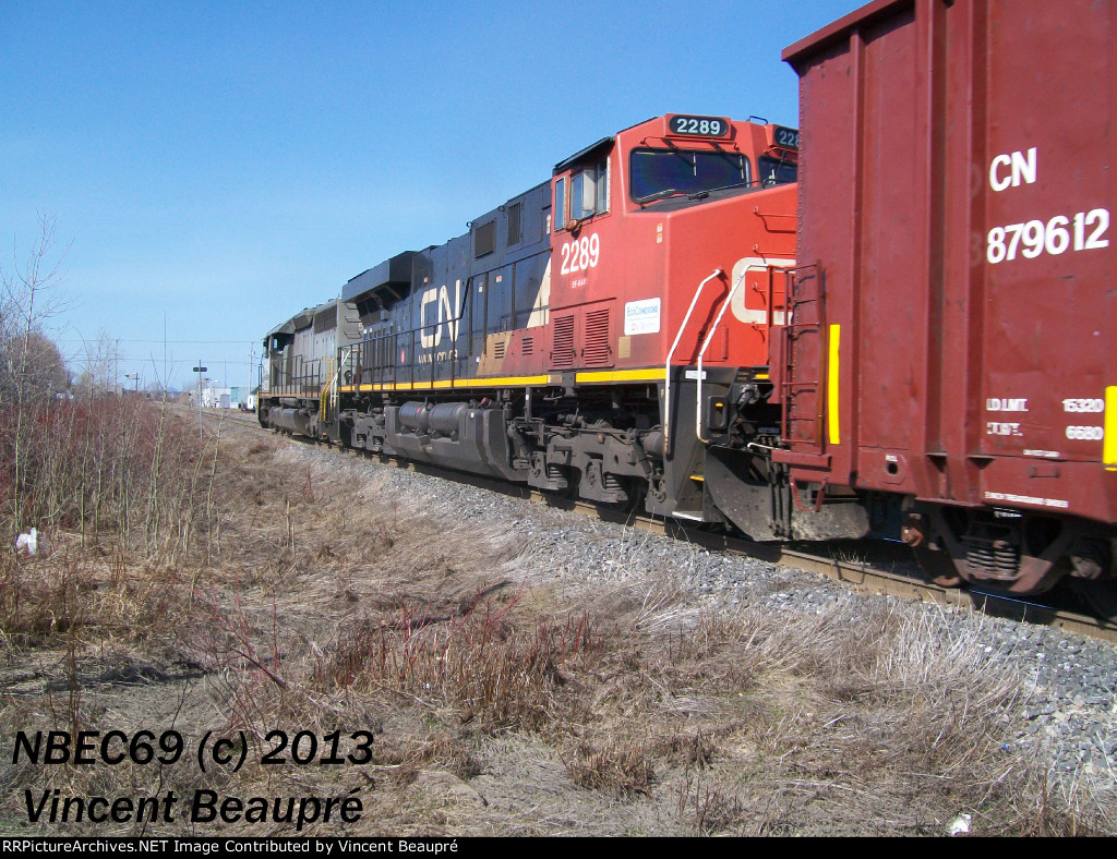 CN 2289 on the 403 West
