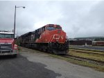 CN 2298 Leading the 305 West