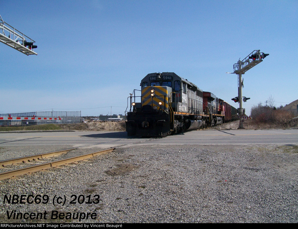 GTW 5941 on the 403 West