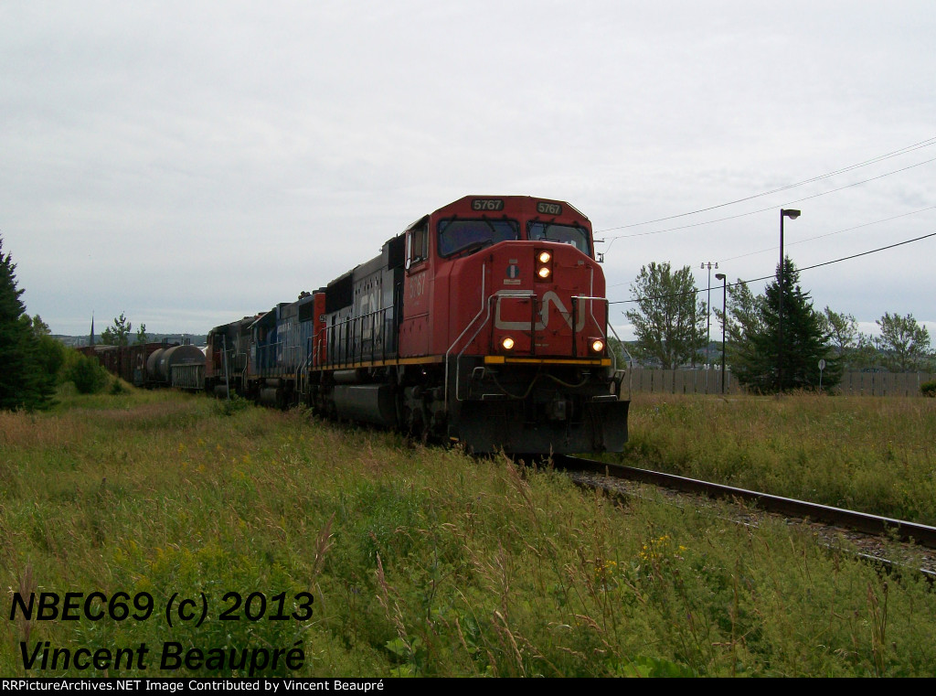 CN 5767 on the 403 West