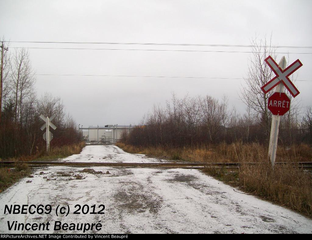 EX Crossing Milepost 121.8, Mont-Joli SUB.
