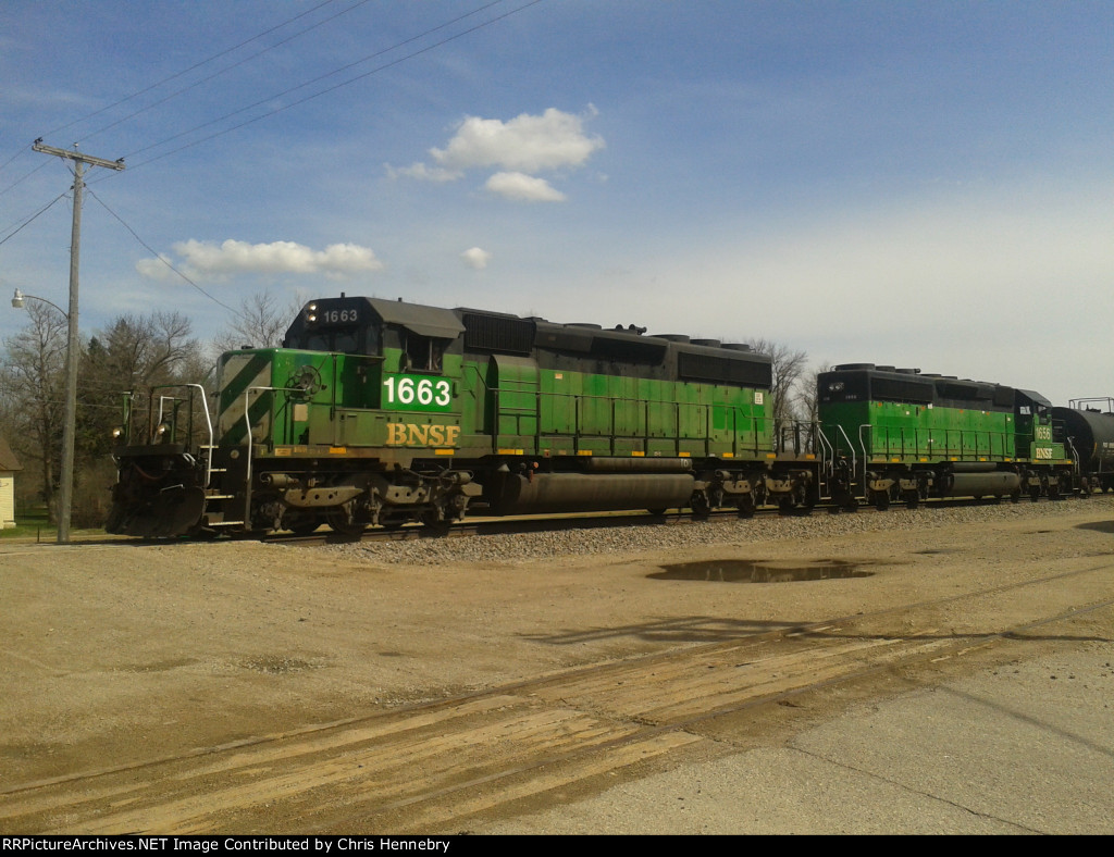 Two SD40-2s In Kent