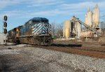 Q581 (Nashville,TN - Atlanta,GA) with a CEFX AC44CW & CSX SD80Mac