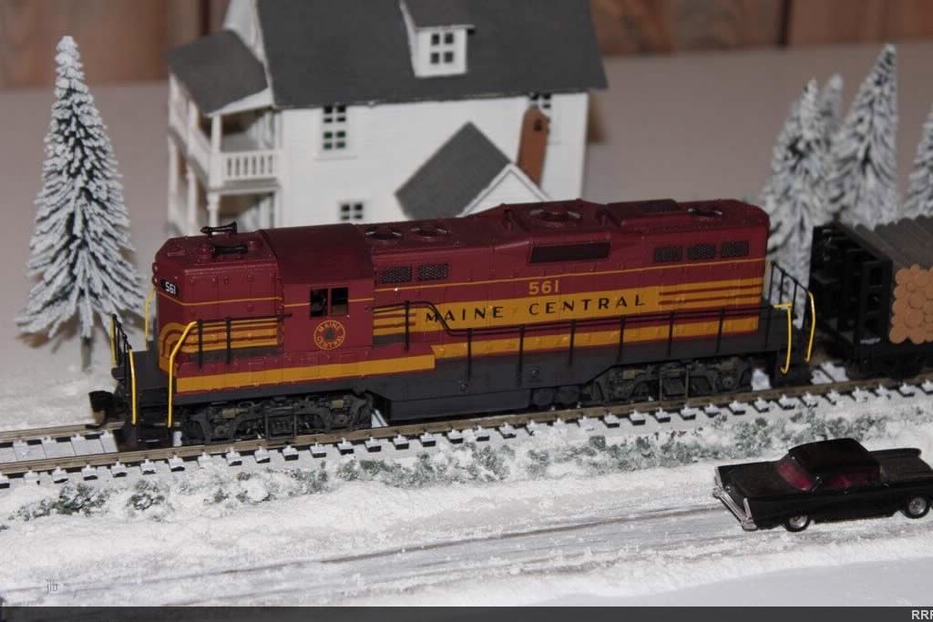 Athearn Maine Central 561