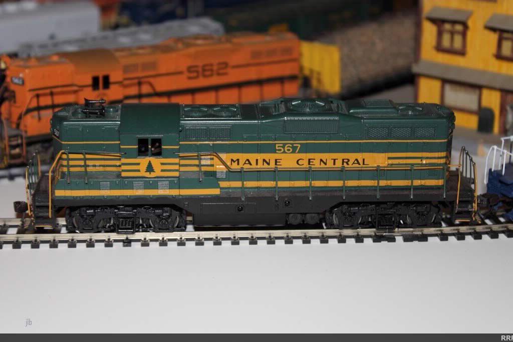 Custom Athearn MEC 567