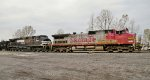 NS 316 Entering SK Yard with a rare unpatched Warbonnet Leading!