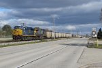CSX 3062 & 378 slow down to 10mph as the headend of N956 starts into Wyoming Yard over a mile ahead