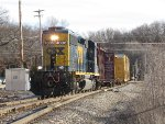 CSX 4036 rolls over the switch at Seymour leading D707-13 west